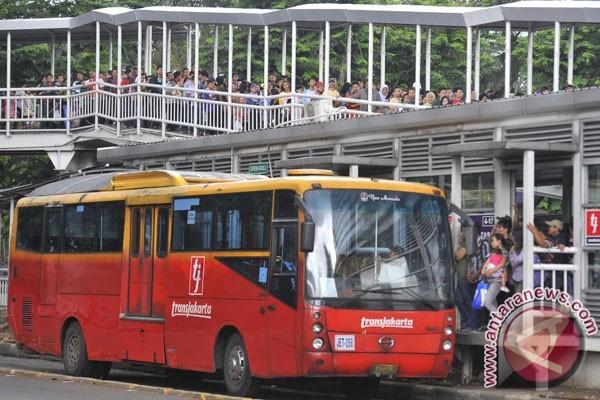 Transjakarta Gratiskan Layanan Koridor 13 Hari ini