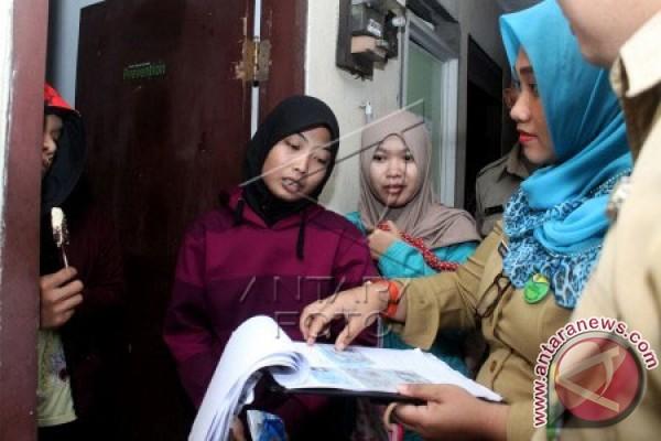 Petugas gabungan Karawang mulai gelar operasi yustisi