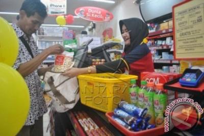 Penggunaan Kantong Plastik Sejumlah Ritel Mulai Berkurang