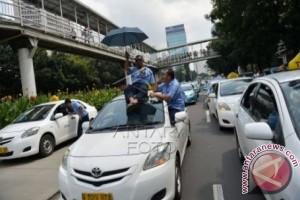 """11 Aturan Taksi """"Online"""" Bekasi Dibahas"""