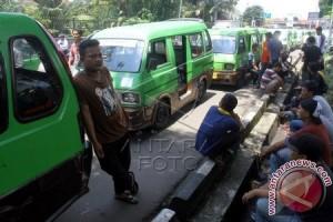 Demo Angkot Di Bogor Akibatkan Warga Mengeluh