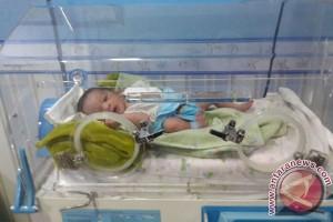 Bayi Ini Hebat, Terkubur Tiga Hari Tetap Selamat