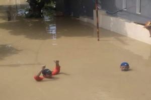 Ternyata, Banjir Pun Bisa Jadi Tempat Wisata