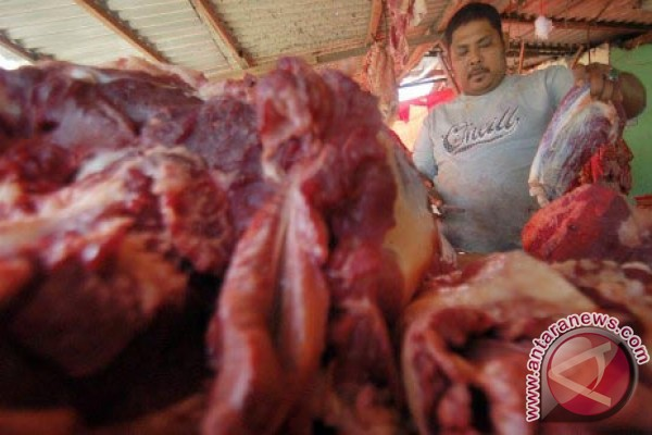 Harga daging sapi Karawang tembus Rp130 ribu
