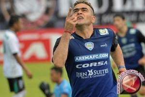 Lima Gol Gonzales Bawa Arema Menuju Final Piala Presiden