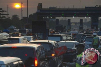 Pembangunan Bunderan Untuk Atasi Kemacetan Gerbang Tol Karawang