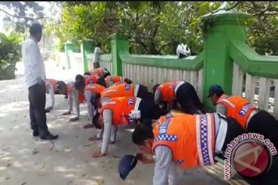Walkot Bekasi Pergoki Petugas Dishub Razia Ilegal