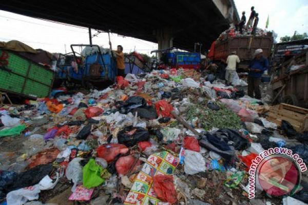 Pemkot Bekasi tutup 88 tempat sampah liar
