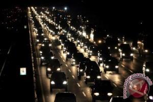 Tol Jakarta-Cikampek Macet 29 Km