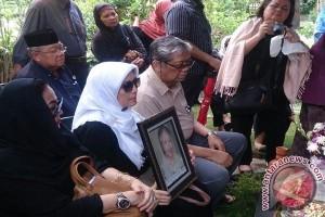 Ibunda Prof Sarlito Sarwono Tutup Usia
