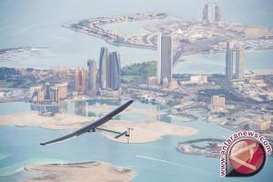 Pesawat Tenaga Surya Berhasil Mengitari Bumi