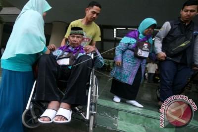 Cerita Haji: Kisah Gantungan Baju Dan Menyeberang Sembarangan