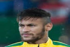 Penyerang Brazil Neymar Memulai Debutnya Di Liga Prancis
