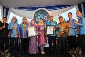 Dua Penghargaan Untuk Gubernur Lampung Di FK-2016