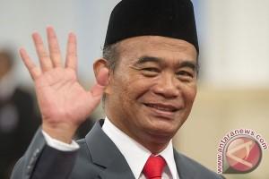 Mendikbud Mengenalkan Indonesia Raya Lengkap Ke Pelajar