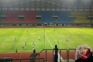 Bekasi Belum Berniat Ganti Rumput Stadion
