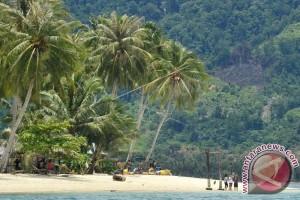 Pesona Wisata Pantai Sumatera Barat