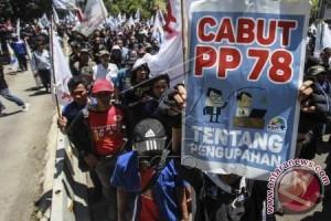 Buruh Bekasi mengawal UMSK 2018