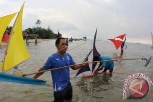 Keren, Triathlete Tertua Asia 80 Tahun Ikut IRONMAN 70.3 Bintan 2017