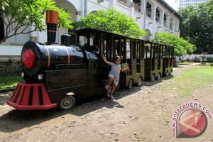 Sebelas Kereta Api Alami Keterlambatan Akibat Banjir