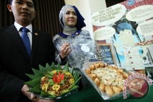 Pelajar Indonesia Promosikan Tempe Di Universitas Oxford
