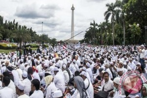 The Mass Action in Jakarta is a Social Dynamic