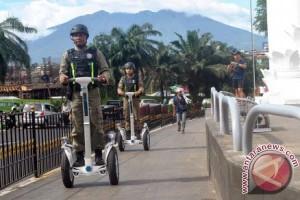 Satpol PP Kota Bogor Patroli Gunakan Segway