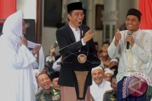 Presiden Joko Widodo Meninjau Pembangunan Jalan Tol Batang-Semarang