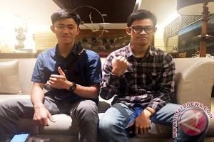 Dua Bersaudara Ciptakan Jam Unik Limbah Kayu