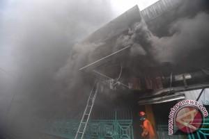 140.000 Orang Tanpa Listrik Akibat Kebakaran Di Los Angeles