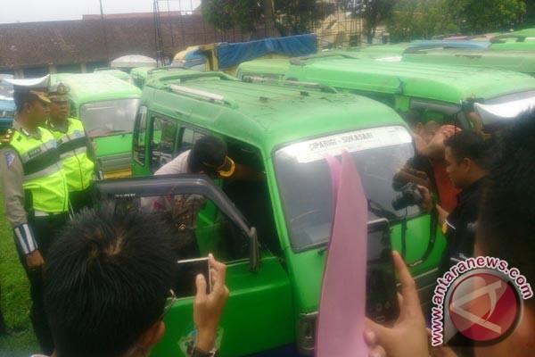 220 Angkot Bogor Pelanggar Aturan Dijaring