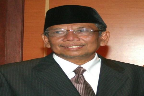KH Hasyim Muzadi Passes Away