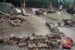 Sekda Pastikan Perbaikan Pascabanjir Segera Dilakukan