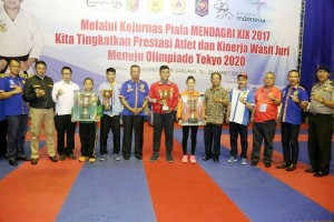 DKI Jakarta Juara Umum Kejurnas Karate Piala Mendagri Di Lampung