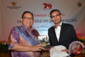 Provinsi Lampung Mendapat Penghargaan Bidang Koperasi