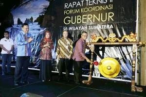 Gubernur Se-Sumatera Sinergi Di Lampung Tekan Kemiskinan