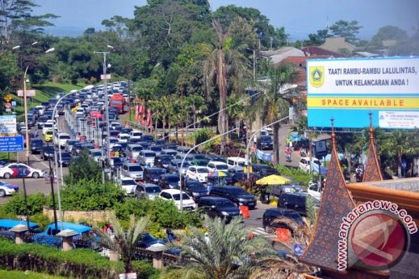 Kemacetan Simpang Gadok masih terus terjadi