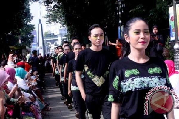 Karnaval Busana Kabupaten Jember Jawa Timur Diadakan Di Jakarta