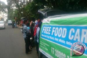 `Free Food Car` Makan Siang Gratis Dhuafa