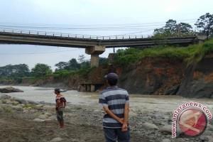 Bupati Akan Evaluasi Semua Jembatan Di Bogor Antisipasi Bencana