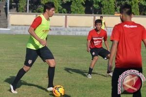 Sebanyak 25 Pemain Sepak Bola Asing Belum Kantongi KITAS