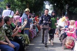 Pemkot Bogor Sosialisasikan Reformasi Angkot Lewat Batik