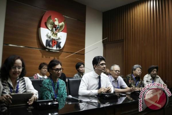 Ribuan Calon Kepala Daerah Lapor Kekayaan