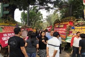 Wisata 'Bunga Ahok' Tetap Berjalan Saat Demonstrasi