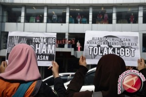 Gubernur Istanbul Melarang Pawai Banci Terkait Keamanan