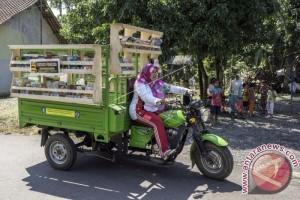 Kebanggaan Sugeng Hariyono Pada Presiden Jokowi Naik Motor Pustaka