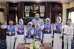 Gubernur Lampung Ridho Ficardo Dan Tujuh Reporter Cilik