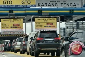 Pemerintah Wajibkan Transaksi Tol Non Tunai