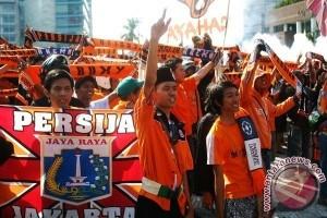 The Jak Mulai Padati Stadion Kota Bekasi