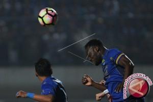 Persib Takluk 1-3 Dari Madura United